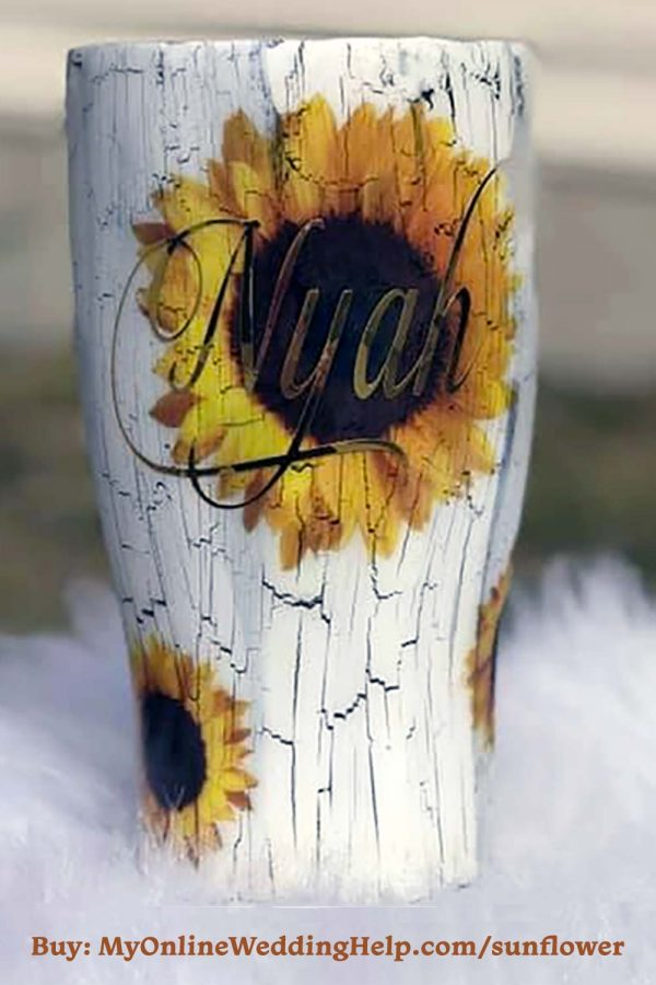 Personalized sunflower design tumbler cup. Cute gift idea for bridesmaids in a summer wedding. #Sunflowers #SummerWedding #Tumblers