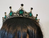 Emerald Green Medieval Style Bridal crown / tiara Great for weddings, festivals, photoshoots, cosplay and costume parties.