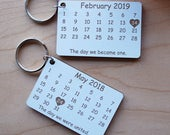 Calendar Personalised Keyring for Couples, Anniversary, Wedding, Save the Date