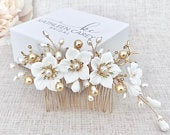 Wedding hair comb, Flower hair comb, Freshwater pearls, Gold pearl hair accessory, Bridal headpiece, Wedding statement ,