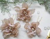 Beige silk flowers, flower hair comb, flower hair pin, wedding hair pin, bridesmaid hair pin, flower hair vine, floral clip
