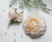 Bridal hair pin, hair vine, ranunculus, flower hair pin set, wedding hair pin, blush hairpiece, peach hair accessory, floral comb