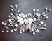 Bridal Hair Comb / Pearl Crystal Hair Accessories / Silver Wedding Hair Clip / Decorative Hair Accessory/ Bride Gift /