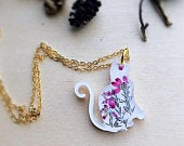 Real flower cat necklace, Cat lover gift, Resin necklaces for women, Heather cat pendant, Animal necklace, Heather jewelry, Mother in law