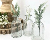 Set of 3 Vintage Style Clear Ribbed Glass Bottles Small Bud Vase Wedding Table Centrepiece Venue Decoration Mothers Day Newly Weds Gift