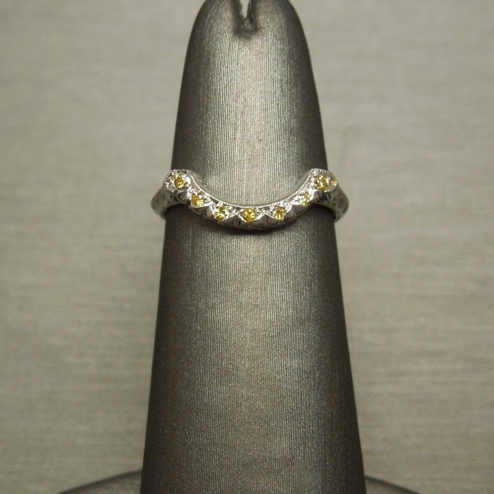 Antique Estate C1940 14K White Gold Engraved 0.14Tcw Natural Fancy Canary Yellow Diamond Curved/Arched Ring Guard Wedding Band Sz 5.25