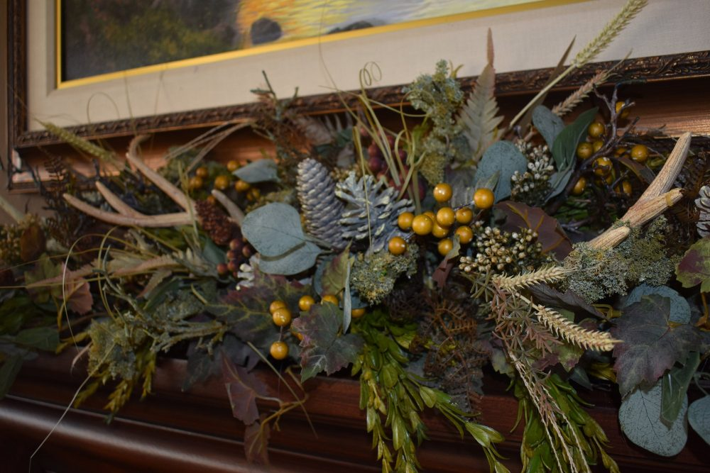 Antler Wedding Arch, Fall Mantle Garland, Fireplace Wedding Decor, Mantle Garland
