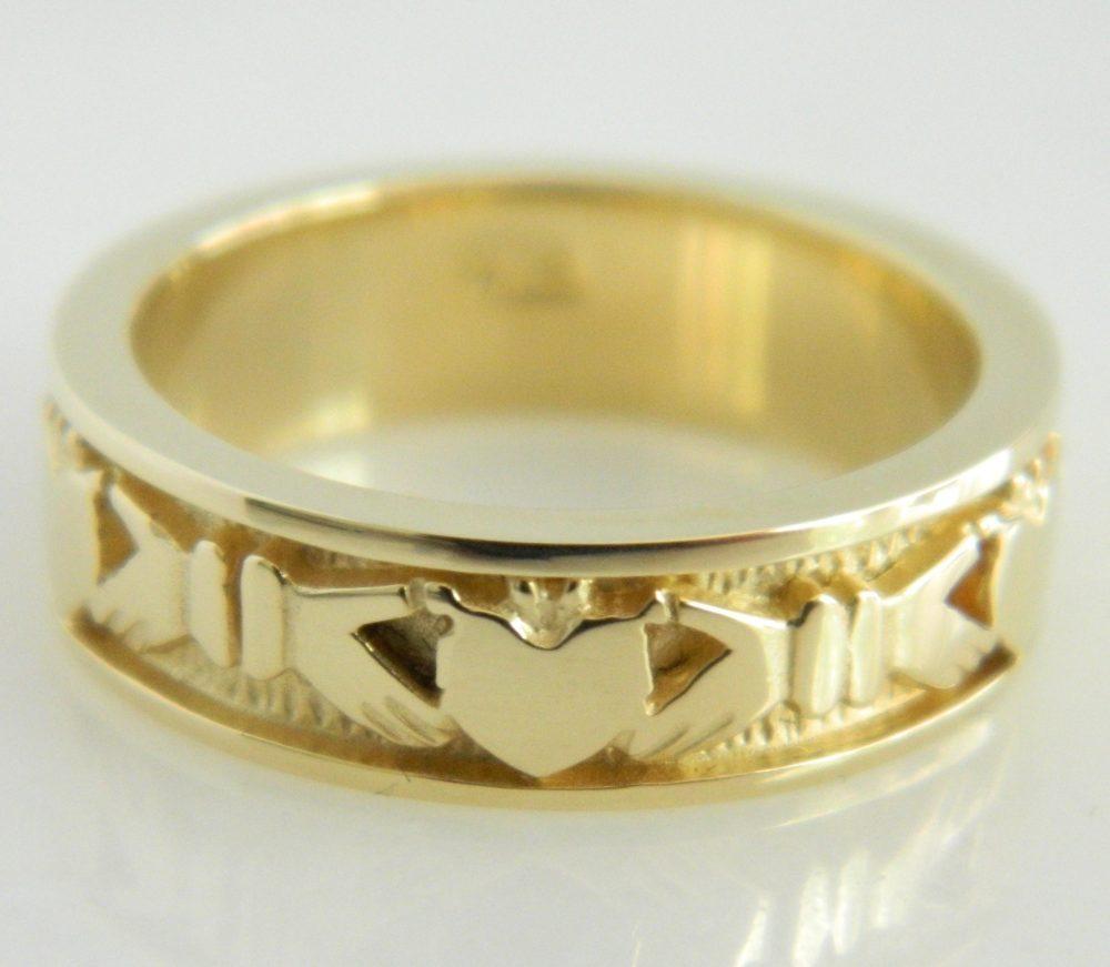 14K Yellow Gold Irish Claddagh Wedding Band Size 6.75