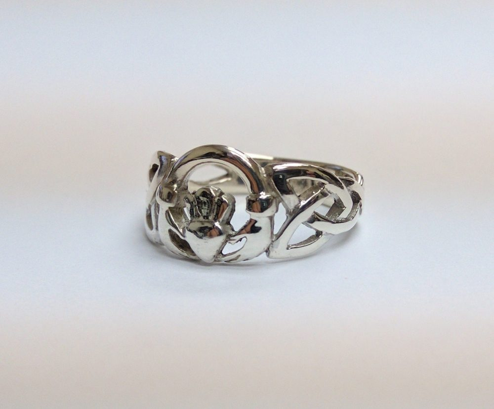 Claddagh Intertwined Celtic Band Silver Ring, Size 6