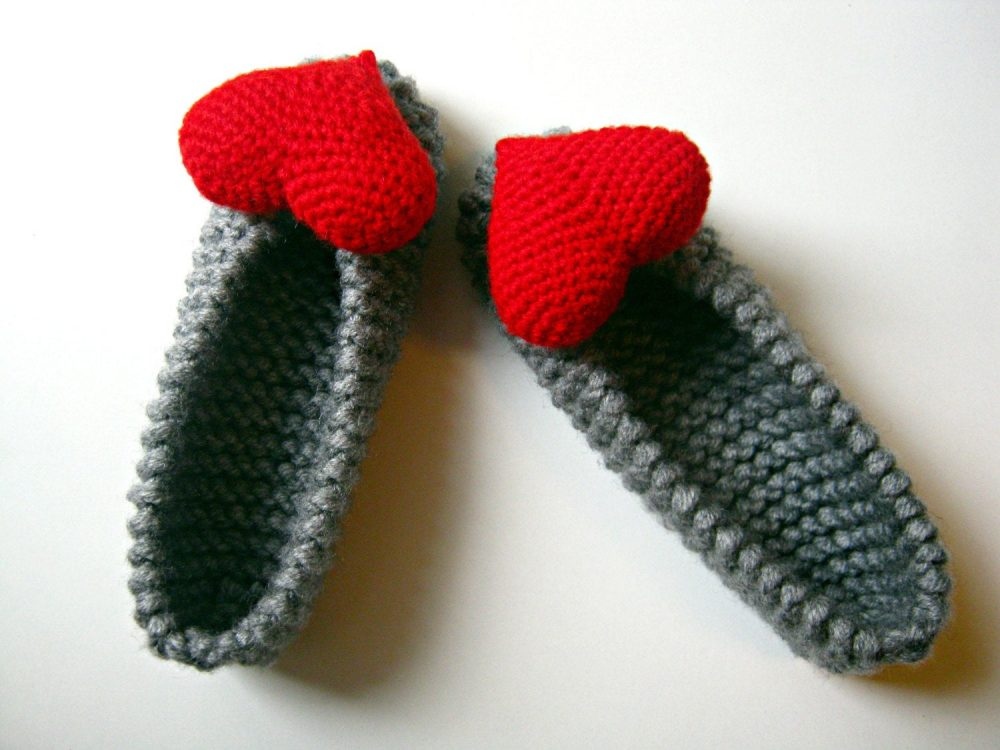 Red Heart Women's Slippers, Knitted Valentine Gift, Chunky Shoes, Stuffed Decoration, Accessories, Ballet Flat