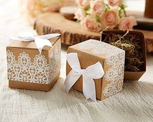 100Pcs White Lace Kraft Wedding Favor Boxes • Rustic Wednesday Favors Birthday Christening Gift Macaroon Bomboniere