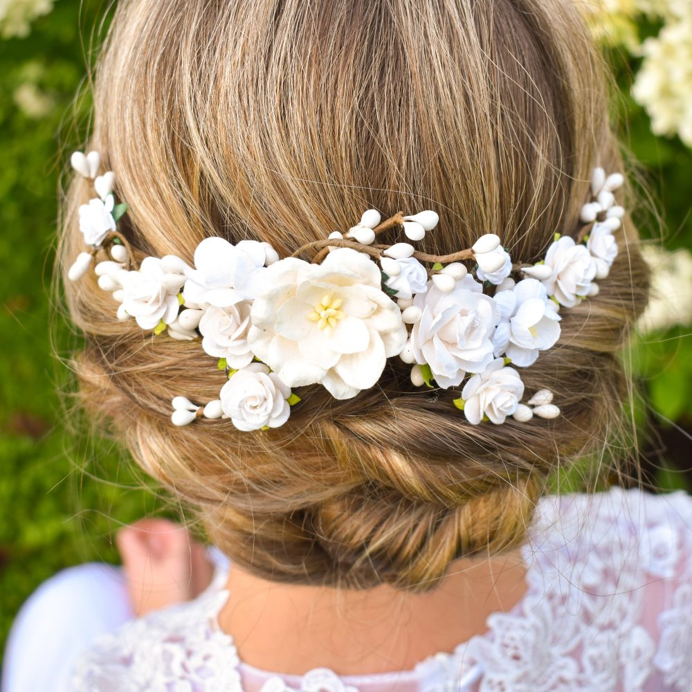 White Wedding Headpiece. Floral Bridal Hair Flowers. Clip