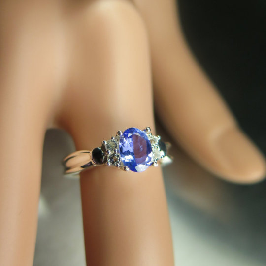 0.85Cts Natural Purple Blue Tanzanite & White Topaz 925 Sterling Silver | 9Ct 14K 18K 375 585 750 Gold Platinum Engagement Ring All Sizes