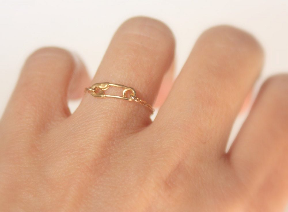 Safety Pin Gold Chain Ring, Sister Rings, Inspirational Symbolic Tiny Safety Jewelry