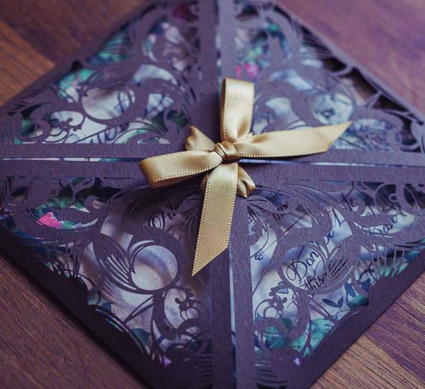 Alice in Wonderland Invitation, Wedding Vintage Invites