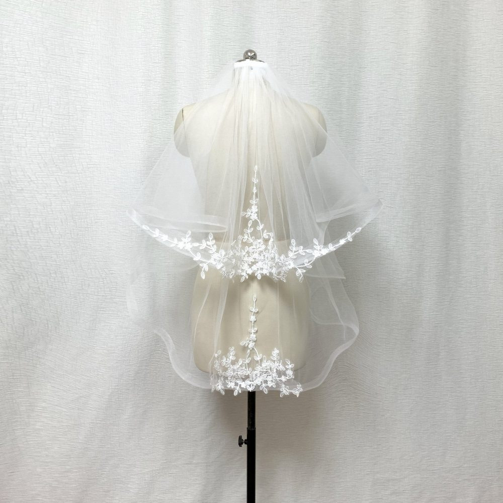 """2 Tier 1"""" Horsehair Trim Lace Applique Ivory Wedding Veil With Comb"""