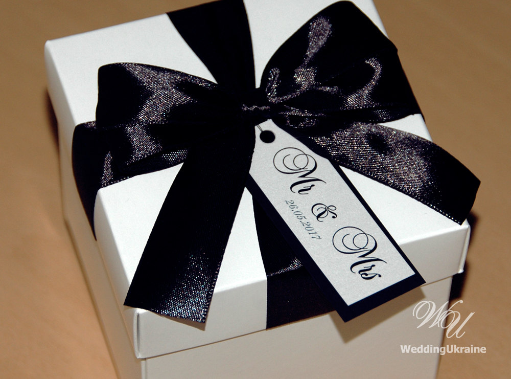 Mr & Mrs Gift Box With Satin Ribbon, Bow Custom Personalized Tag - Wedding Favors Boxes Black White Wedding