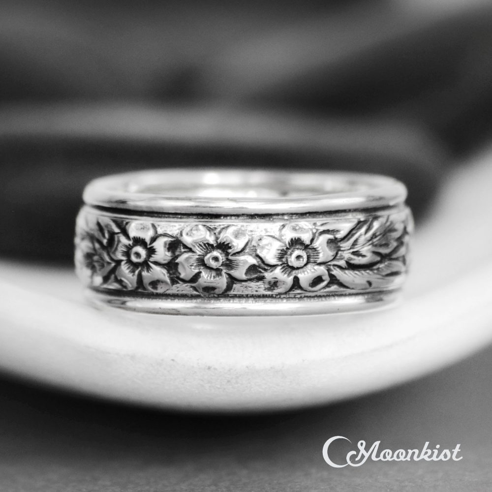 Periwinkle Flower Ring, Sterling Silver Band Small Women's Wedding Band, Size 4 Ring | Moonkist Gallery