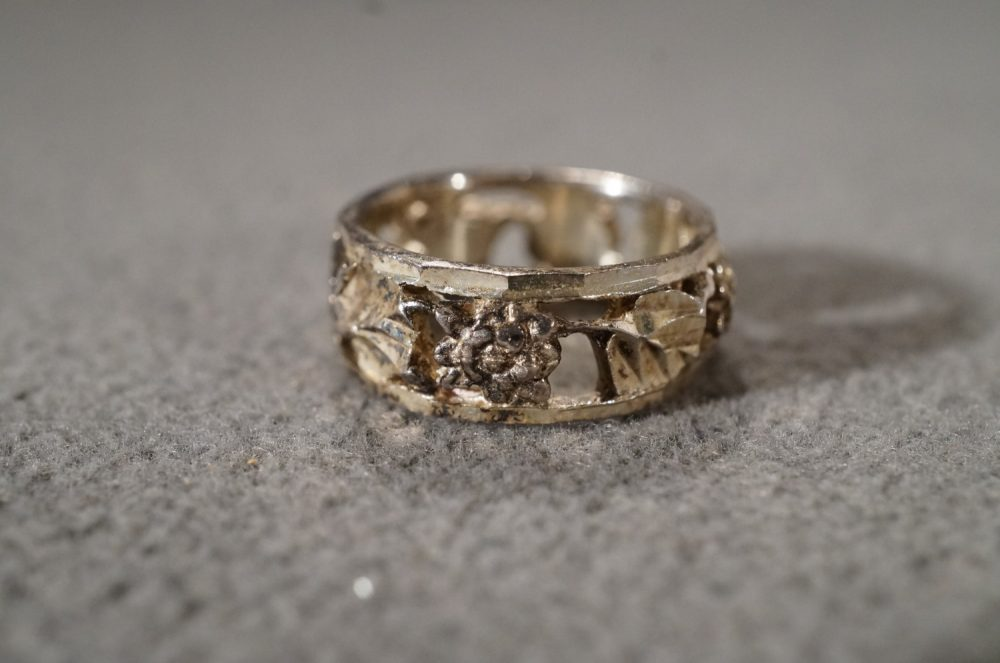 Vintage Sterling Silver Band Ring Wedding Eternity Style Raised Relief Fancy Etched Floral Design, Size 6