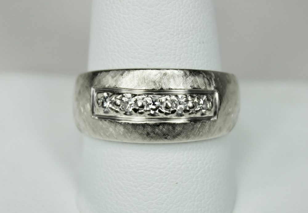 Vintage Hallmarked Mens 14K White Gold Diamond Ring Textured Band With 0.25Ctw Round Faceted Diamonds Sz 11 C1950S Mid Century