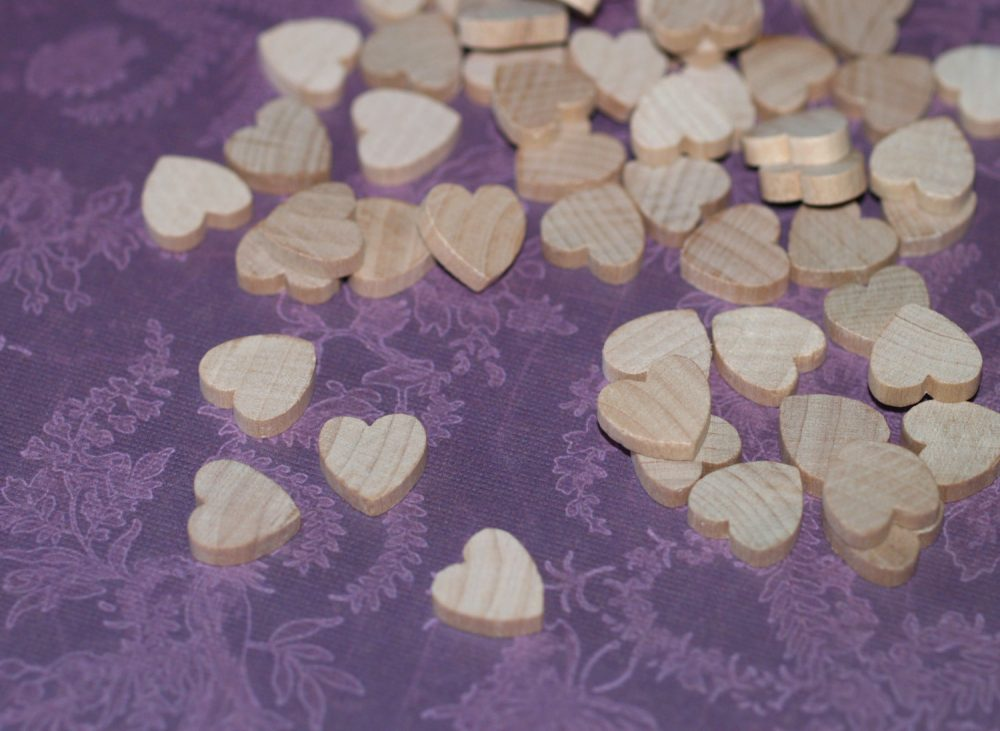 """25 Mini Hearts ... 1/2"""" 