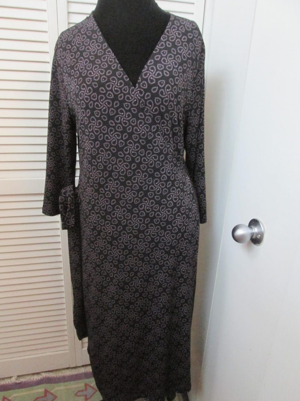Classic Vintage Wrap Dress With Lots Of Stretch. Black Heavy Dark Lavender Pattern. Stretchy Polyester Timeless Flattering Dress