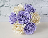 Custom paper bouquet with pearls / paper flowers / wedding bouquet / personalised bouquets / paper roses