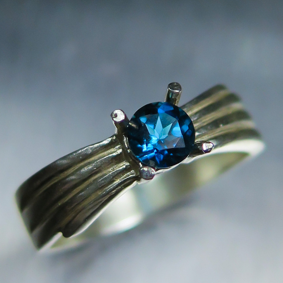 0.40Cts Natural London Blue Topaz Sterling 925 Silver Engagement Ring All Sizes