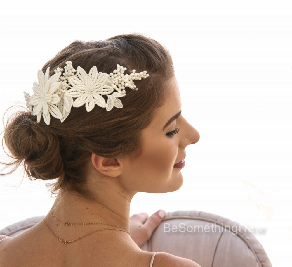 Vintage Ivory Lace Wedding Hair Comb, Daisy Bridal Comb With Pearls Clip