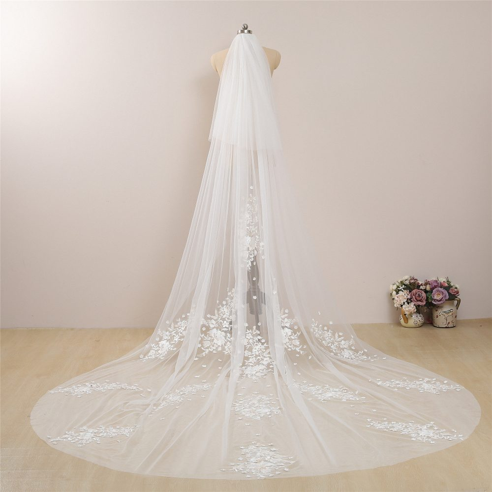 Vintage Ivory Wedding Veil With Champagne Floral Lace Cathedral Bridal Veils Celestial Flower Two Tier Chapel Length