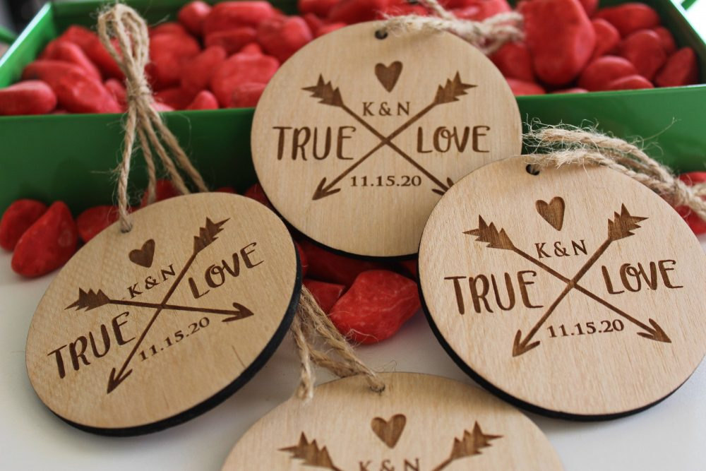 Personalized Ornaments, Wooden Custom Christmas Ornaments, Ornaments Favors, Wedding Favor Ornaments, Wooden Ornament