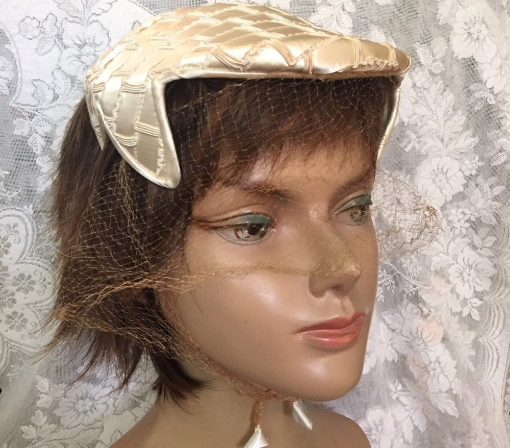 Amy Of New York Women's Designer Flat Juliet Cap Capulet Half Hat Fascinator With Attached Veil Face Netting Mid Century Fashion Accessory
