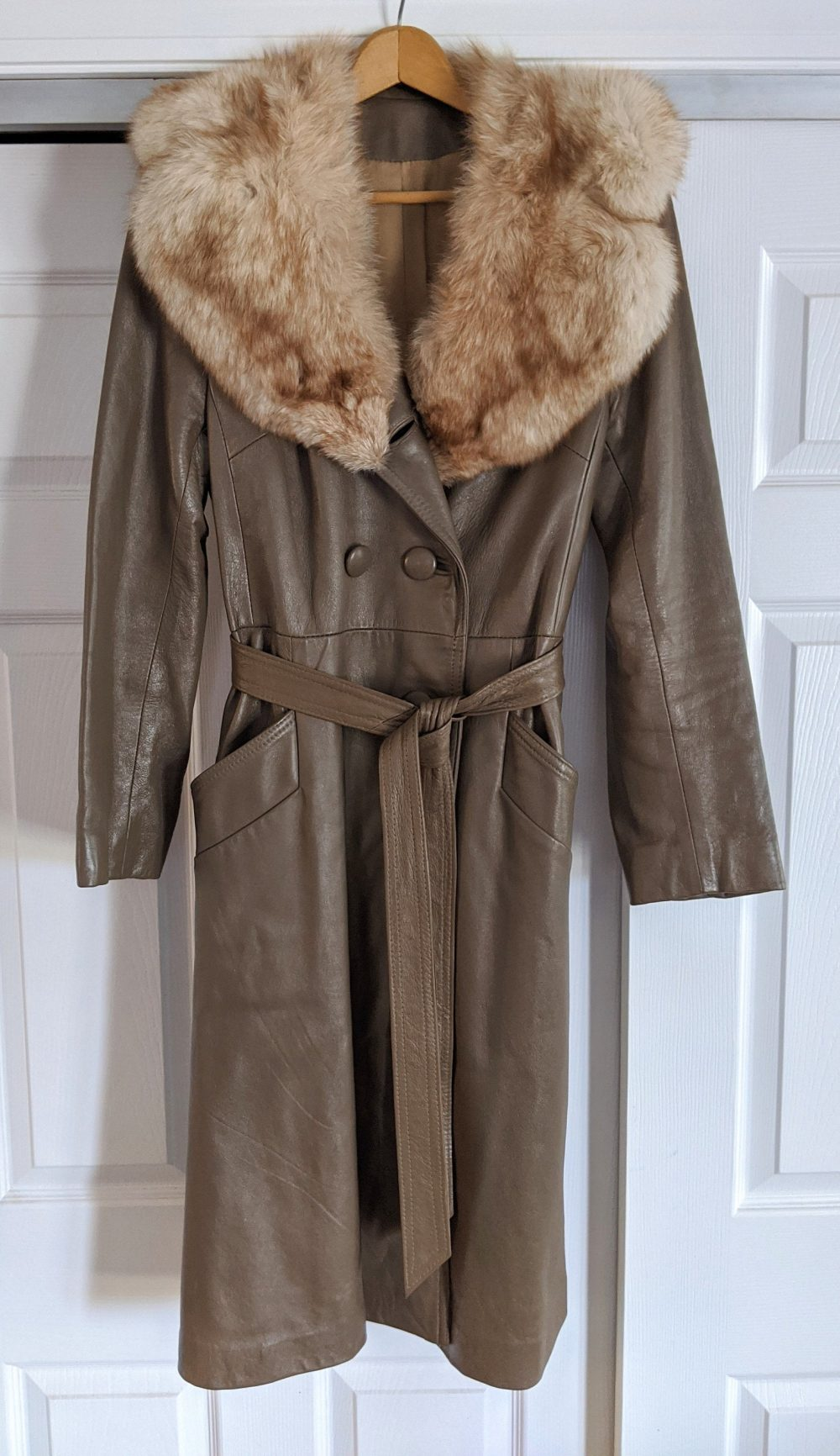 Women's Brown Leather Double Breasted Trench Coat With Real Fur Collar, Size 12