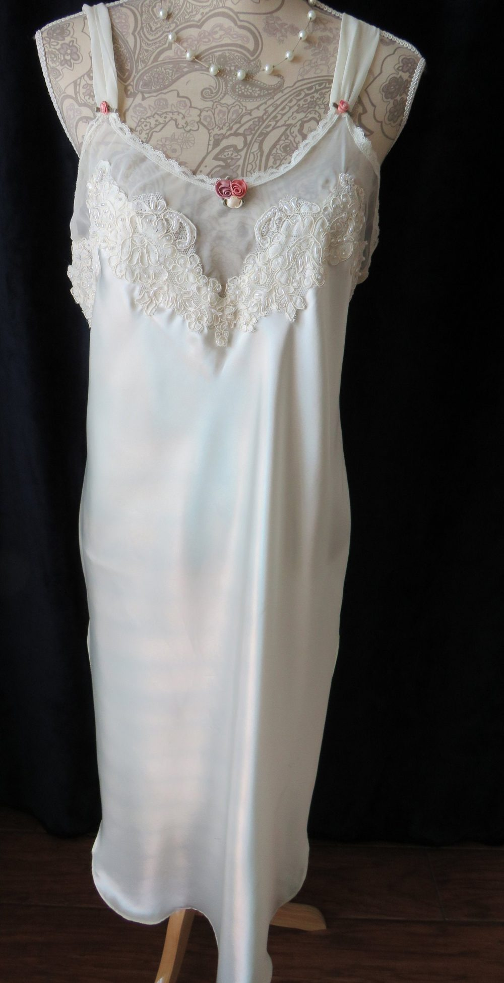 1980S Nightgown By California Dynasty - Size Medium To Large Long White Lace Seed Pearls Roses Womens Glamorous Nightie Costume