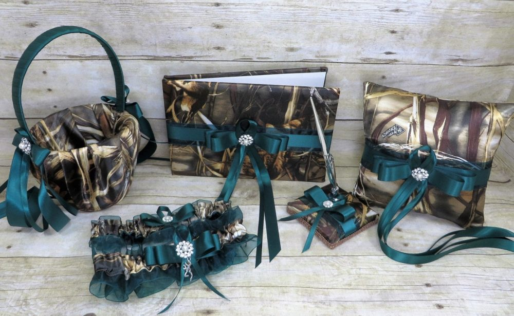 Realtree Camo With Hunter Green Wedding Set, Customize Wedding, Flower Girl Basket, Pillow, Guest Book, Realtree Max 4