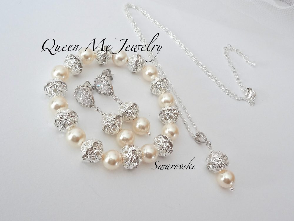Pearl Jewelry Set For A Bride Bridesmaids Mother Of Groom Gift, Bracelet Necklace & Earrings, Swarovski Wedding Bridal