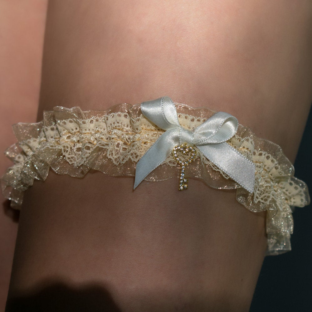 Tossing Bridal Garter Wedding Hen Party Keepsake Lace Organza Gold Cream Beige Ivory Satin Ribbon Key Charm