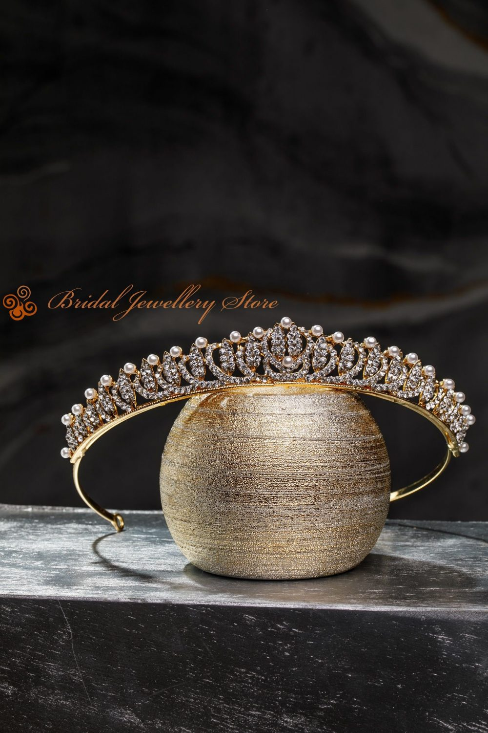 Bridal Tiara, Pearl Tiara, Gold Crown, Pearl Wedding Hair Accessory, Wedding Headpiece, Bridal Hairpiece, Silver Diadem