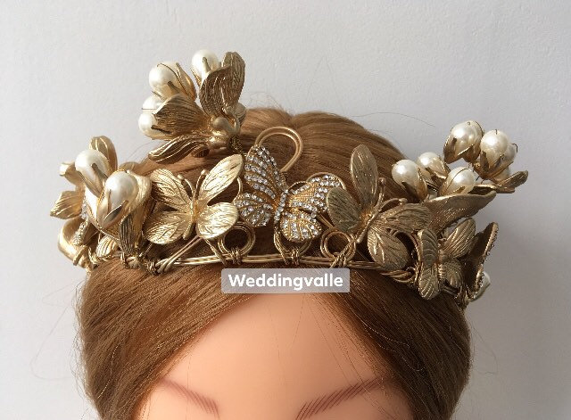 Gold Butterfly - Wedding Hair Tiara, Bridal Comb, Vintage Style Accessory, Gold Headband, Wedding Pearls Tiara