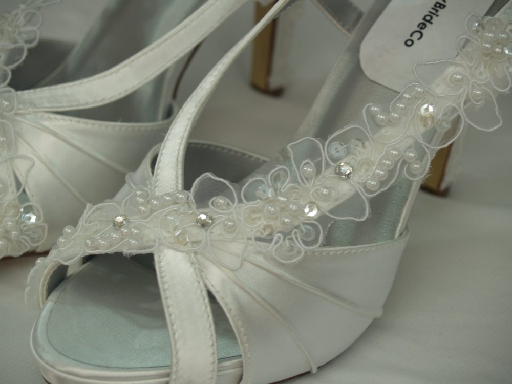 Wedding Shoes White Lace Appliques High Heels, Satin, Peep Toe Slingbacks, Brides Sandals, Rouged Satin High Heels, Dyeable