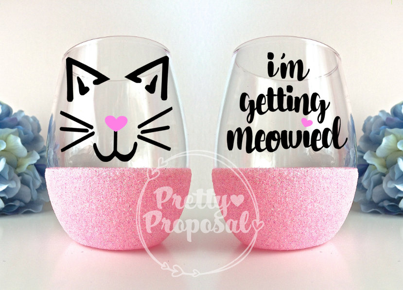 I'm Getting Meowied Glitter Wine Glass, Engagement Gift, Cat Wedding Planning Lover Cup