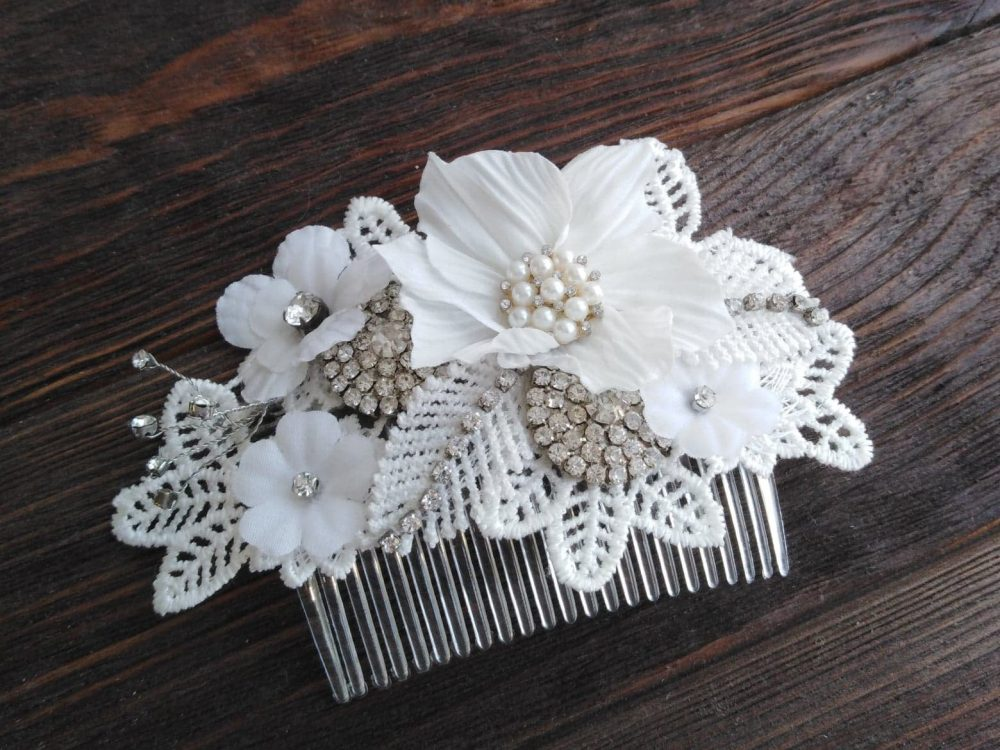 Lace Bridal Hair Comb, Wedding Flower Crystal Piece, Off White Rustic Wedding Headpiece, Statement Piece