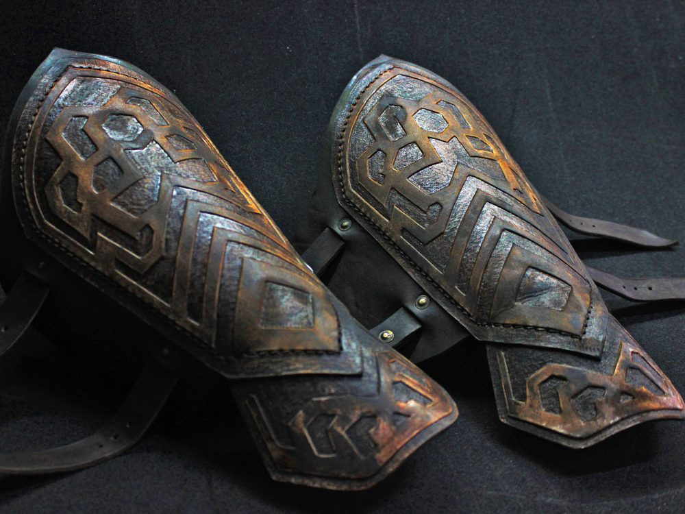 Thorin's Leather Bracers; Lord Of The Rings; Dwarf Arm Guard; Lotr Armor; Fantasy Warrior Ren Faire Unisex Cosplay; Halloween Costume