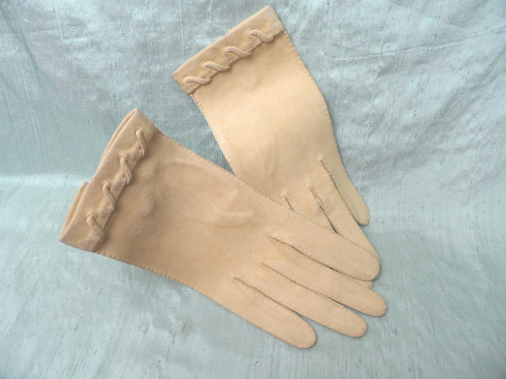 Yellow Suede Women's Gloves/As Is Vintage Size 6 3/4