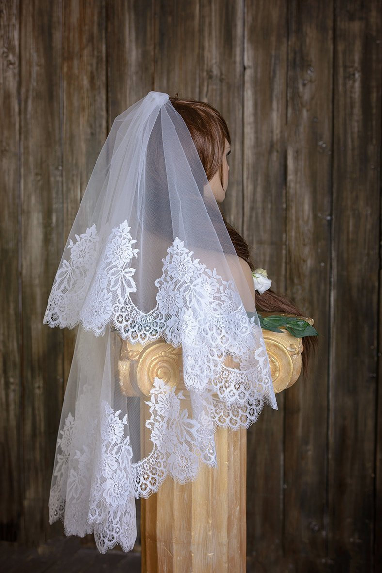 Bridal Veil, Lace Veil, Mantilla Veil, Wedding Veil, Bridal Veil, Two-Tier Veil, Two Tier Cathedral Length, Fingertip Wedding Veil