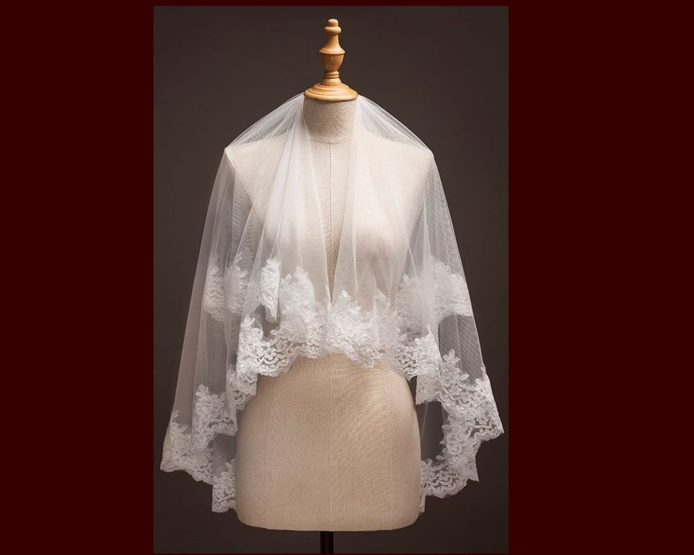Two Tier Veil, Wedding Bridal Veil With Comb, 2 Tier Veil, Lace Light Ivory Champagne Comb