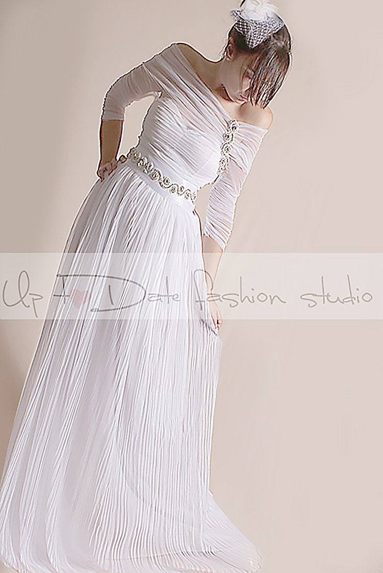 Plus Size Bridal Gown , Off-Shoulder Pleated Tulle Dress Floor Length Wedding Beach Party Bridal Gown 3/4 Sleeve