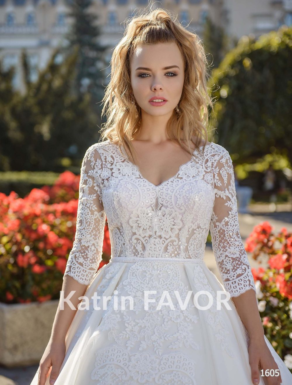 Long Sleeve Wedding Dress Lace Winter Modest Plus Size Corset Gown Ivory