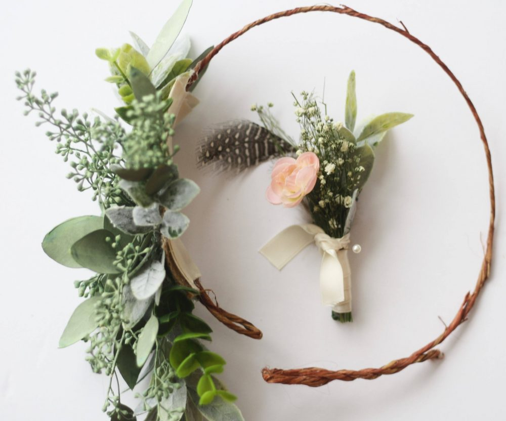 Baby Breath Pastel Boutonniere Dried Flower Lapel Pin Woodland Feather Boutonniere Pink Ranunculus Buttonhole Boho Wedding