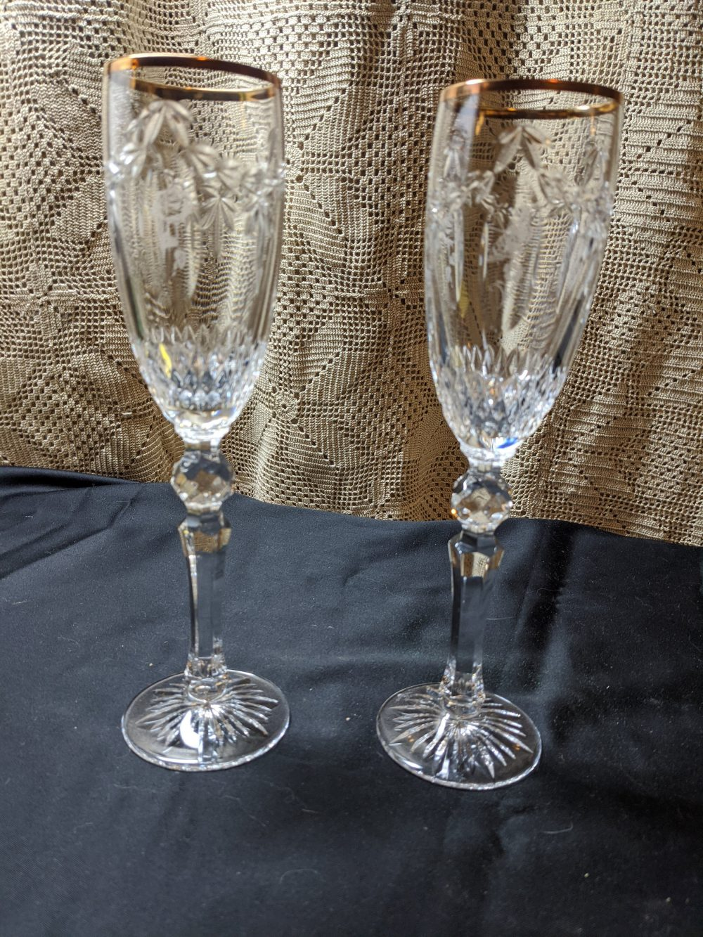 Free Shipping - Pair Of Waterford Crystal Cherished Moments Champagne Toasting Flutes With Gold Band